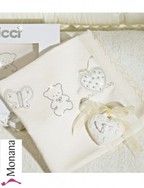 Picci piquet blanket Jasmine cream with Swarovski elements Dimensions: 27,6 x 31,5 inch (ca. 70 x 80 cm) <b>Ready for delivery