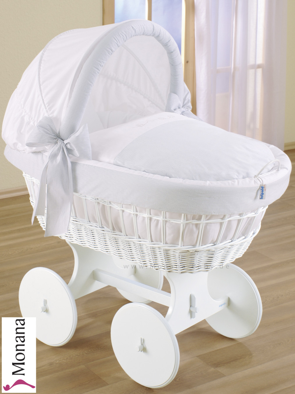 Leipold crib for sale - 00 957 538 050 Leipold Bollerwagen Charme Leipold Wicker Drape Crib With Hood And Big Wheels White
